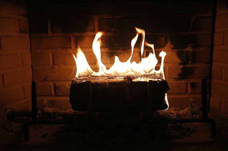 Benefits-of-Choosing-Professional-Gas-Fireplace-Installation-Contractors